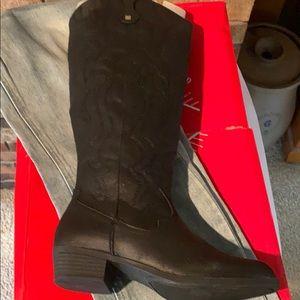 True Craft Pullon Boots NIB